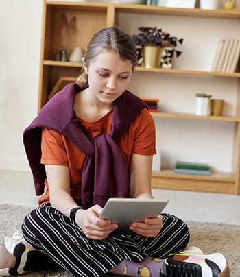 Enfant avec iPad